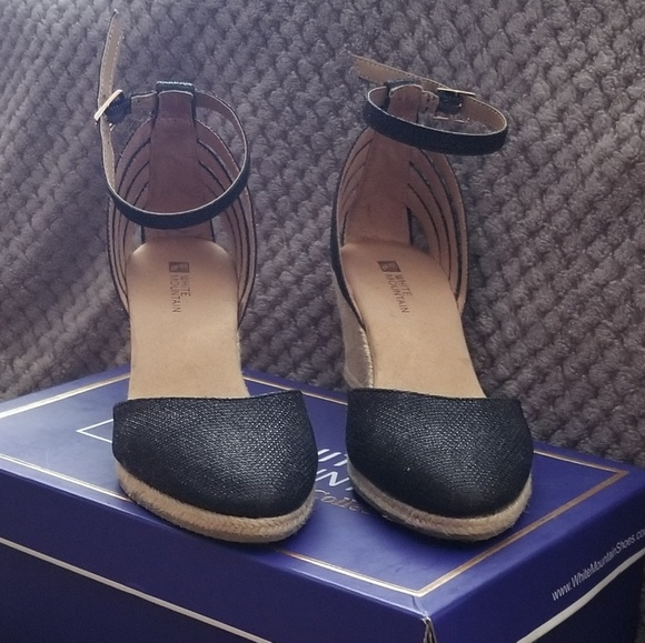White Mountain Shoes - BLACK GLITTER CLOSED TOE WEDGE SANDALS
